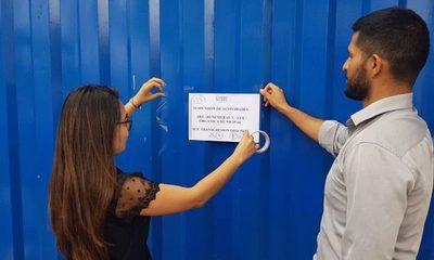Suspenden empresas que derramaba líquidos al arroyo Acaraymi