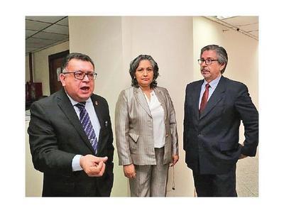 Jueces suspendidos sin goce de sueldo