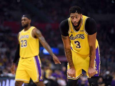 Los Lakers cayeron en el debut