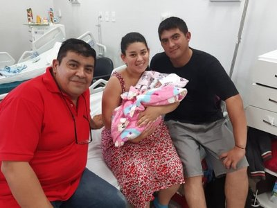 Chofer de MUV actuó de partero y ayudó a nacer a una beba