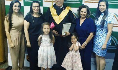 Entregan título Honoris Causa al Dr. Carlos Cardozo Florentín