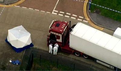 En Inglaterra, 39 cuerpos son encontrados por la policía dentro de un camión