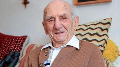 Muere el hombre más viejo del mundo a los 114 años