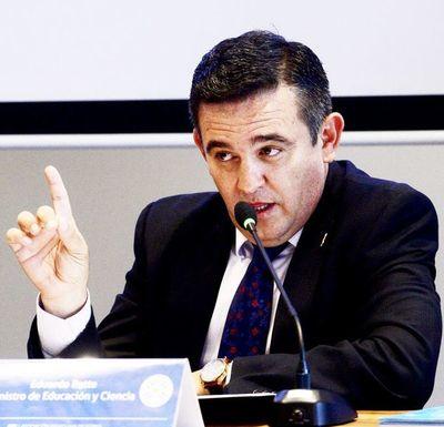 Petta acusa a la prensa de distorsionar datos y mentir