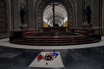 España está lista para exhumar al dictador Franco de su mausoleo