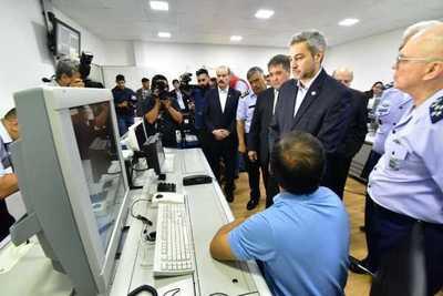 Gobierno inaugura nuevo sistema de control aéreo en Minga Guazú