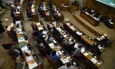 Senado aprueba que solo empresas dedicadas a finanzas puedan pedir datos a Informconf