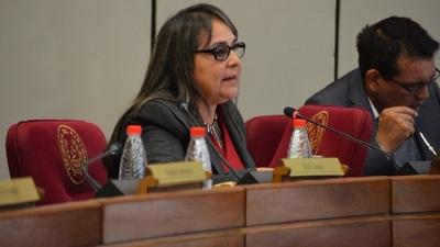 Senadora insta a integrar terna para elegir nuevo Defensor del Pueblo