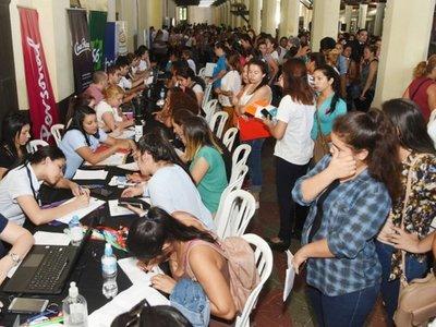 Prohíben que datos crediticios sean utilizados para acceso al empleo