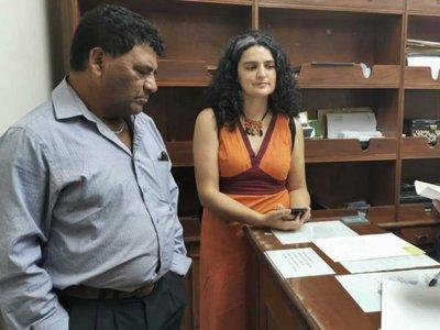 Amnistía entrega firmas que piden saldar deuda de Itaipú con los Avá
