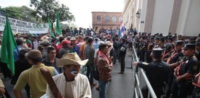 Gobierno prepara fuerte dispositivo policial ante anuncio de marcha campesina