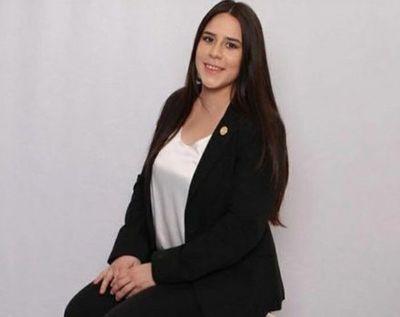 Proponen que promo Derecho UNA lleve el nombre de Leila Ayala
