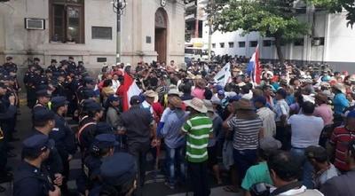 """FNC descarta plan de """"desestabilización"""" al gobierno"""