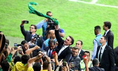 Bolsonaro, criticado por deseo de acudir a la final de la Copa Libertadores