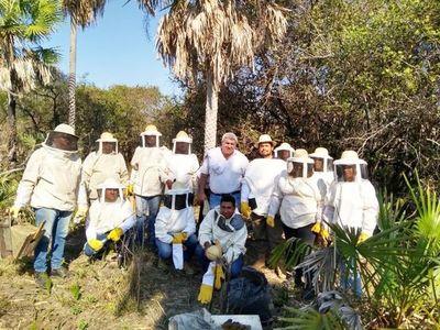 Destacan calidad de miel del pantanal en encuentro