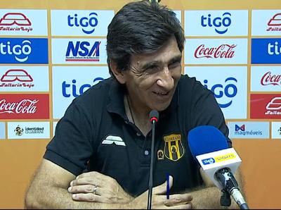 Gustavo Costas sostiene que el empate era más justo