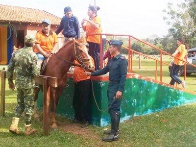 El caballo, un  aliado de personas con discapacidad en Curuguaty