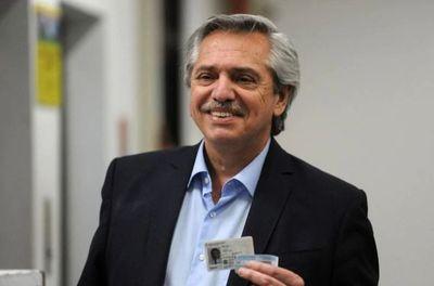 Fernández-Kirchner, con ventaja en toda Argentina