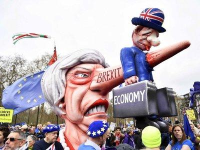 La UE acepta retrasar el brexit hasta enero del 2020