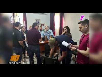Detienen a varios policías por supuesta cobertura a narcotraficante