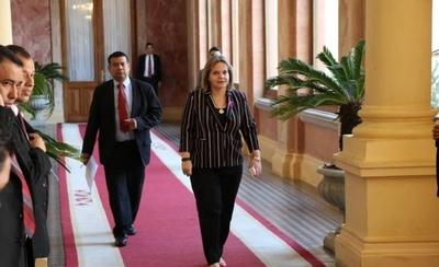 HOY / Mario Abdo llamó a Fernández pero este no lo pudo atender, según Lilian