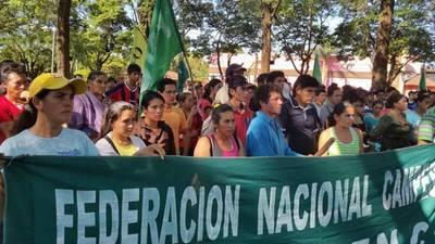 FNC se se congregó en plaza céntrica para reclamar desalojos y represión
