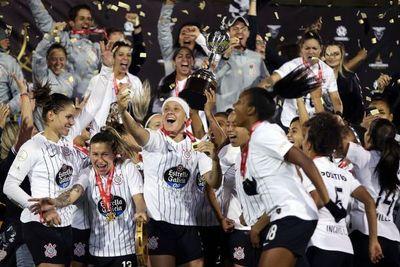 Corinthians alza la Libertadores y Cerro queda cuarto