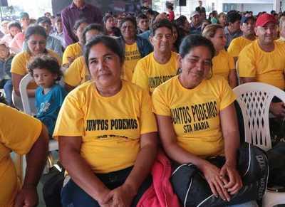 Caaguazú: Gobierno entrega 900 subsidios habitacionales a familias de 6 departamentos