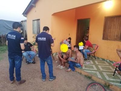 Allanan casa y detienen a pandilleros de Santa María