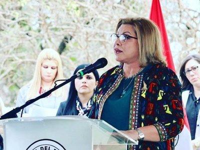Ministra de la Mujer dice que no es corrupta y busca aclarar informe de Contraloría