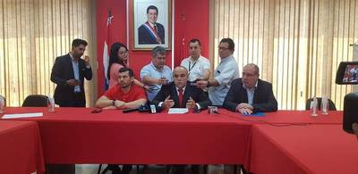 "Bachi Núñez, sobre pedido de informe: ""Algo huele mal en la ANDE"""