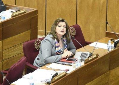 Senadora lamenta la postura del rector de la UCA en denuncia contra Kriskovich