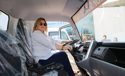 """HOY / Una """"taha taha"""" en el Gabinete de Marito: Ministra Romero viajó 14 veces en un año"""