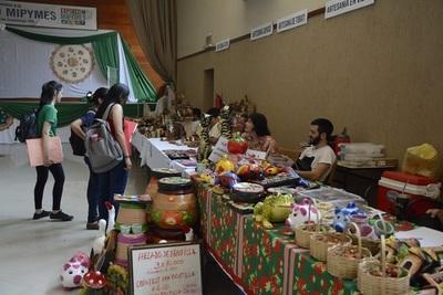 Facultad de Economía habilita expo para emprendedores con asesoramiento gratuito