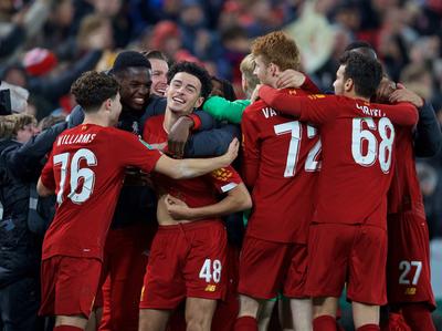 Los penales definen un partidazo de ¡10 goles! entre Liverpool y Arsenal