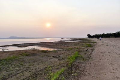 El lago Ypacaraí tiene 18 m menos