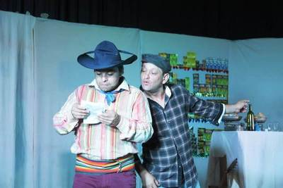 """Elenco """"A lo Luque Teatro"""" de gira por San Pedro y Canindeyú •"""
