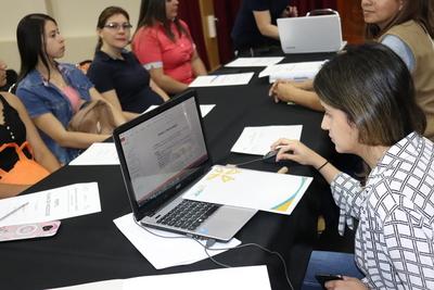 Jóvenes del sur se capacitan para hacer realidad sus planes de negocios