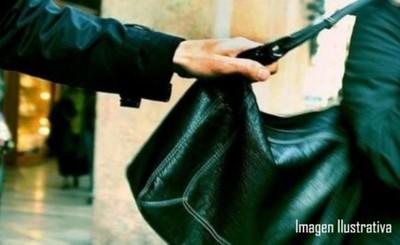 Prisión preventiva para hombre que asaltó a una mujer en un semáforo