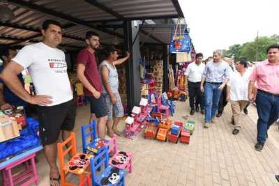 Carpinteros de Caaguazú se reubican en nueva galería que dignifica sus condiciones de trabajo
