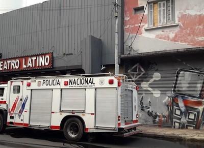 Controlan incendio en el Teatro Latino