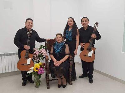Festival por los 69 años de la creación de Recuerdos de Ypacaraí se realiza en España