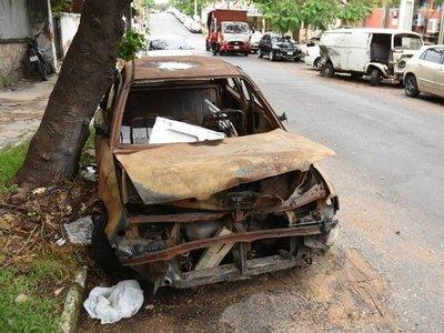 Chatarras inundan corralones y calles creando potenciales focos de dengue