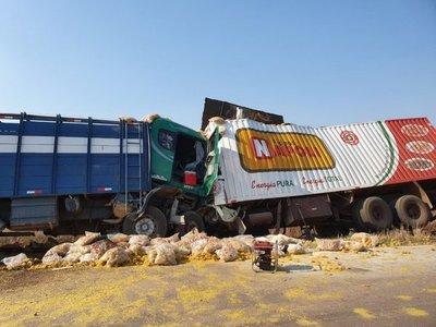 Choque frontal de camiones en Concepción deja un fallecido