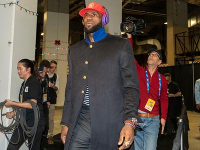 LeBron James, el jugador mejor pagado de la NBA