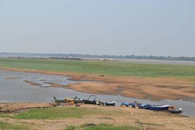 Bajante de río asusta: temen falta de combustible y encarecimientos