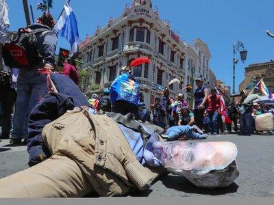 Auditoría de elecciones sufre revés, mientras sigue la tensión en Bolivia