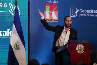 El Salvador expulsa a diplomáticos de Venezuela y EEUU aplaude decisión