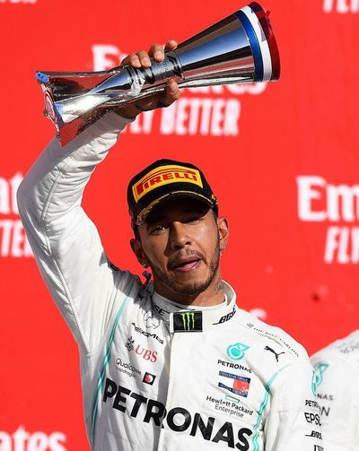 Hamilton logra su sexto título