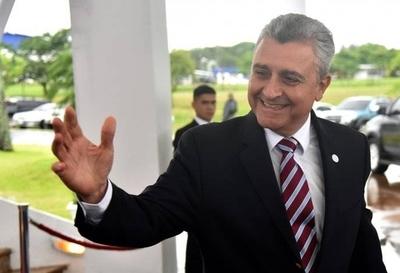 HOY / El ministro que nunca viajaba  solo: extitular de Interior bajo  lupa de 'cuestionados' viajes